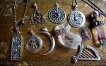 talisman , collier magique